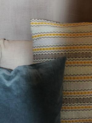 03e1ef0104f0c2fa 4708-w550-h734-b0-p0--scatter-cushions