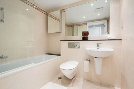 516 Longboat Bathroom